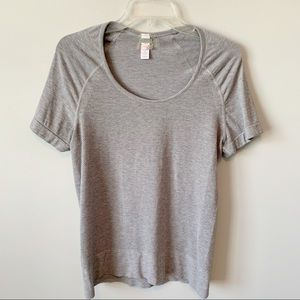 Athleta Short Sleeve Mesh Dot Tee Like New